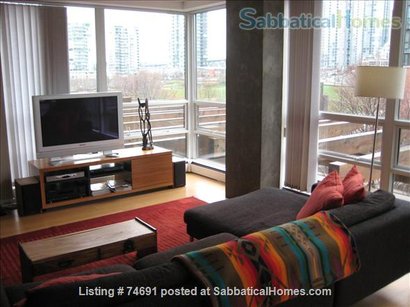 Spacious 2bdrm 2bath Yaletown Condo. All utilities included. Steps from downtown parks, seawall, community centre, theatres, restaurants, art galleries, shops and a school. Home Rental in Vancouver, British Columbia, Canada 1
