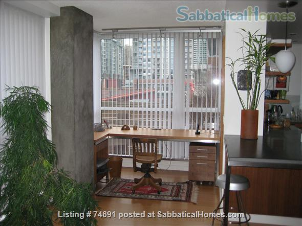 Spacious 2bdrm 2bath Yaletown Condo. All utilities included. Steps from downtown parks, seawall, community centre, theatres, restaurants, art galleries, shops and a school. Home Rental in Vancouver, British Columbia, Canada 2