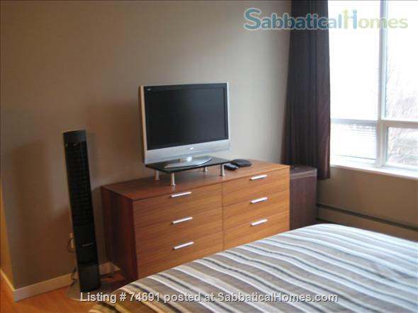 Spacious 2bdrm 2bath Yaletown Condo. All utilities included. Steps from downtown parks, seawall, community centre, theatres, restaurants, art galleries, shops and a school. Home Rental in Vancouver, British Columbia, Canada 6