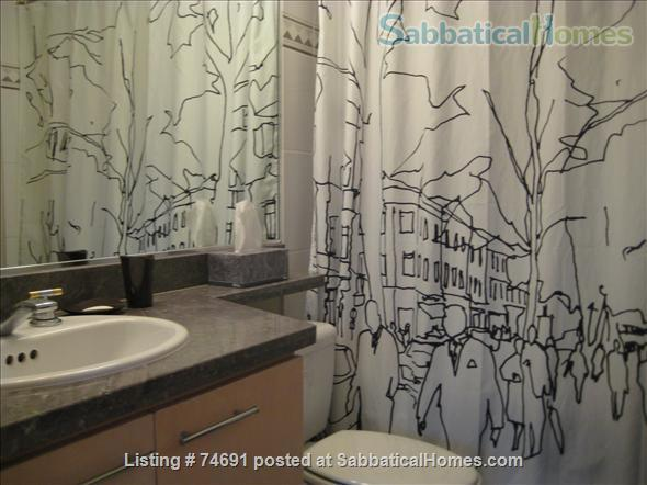 Spacious 2bdrm 2bath Yaletown Condo. All utilities included. Steps from downtown parks, seawall, community centre, theatres, restaurants, art galleries, shops and a school. Home Rental in Vancouver, British Columbia, Canada 7