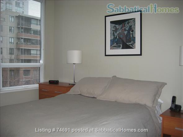 Spacious 2bdrm 2bath Yaletown Condo. All utilities included. Steps from downtown parks, seawall, community centre, theatres, restaurants, art galleries, shops and a school. Home Rental in Vancouver, British Columbia, Canada 8