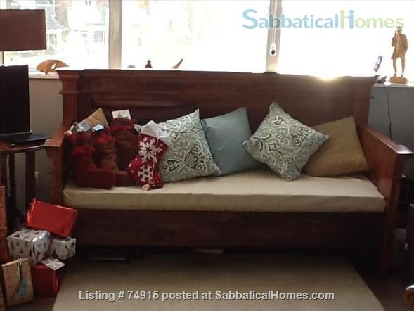 Gorgeous apartment in Roncy village /High Park Home Exchange in Toronto, Ontario, Canada 4