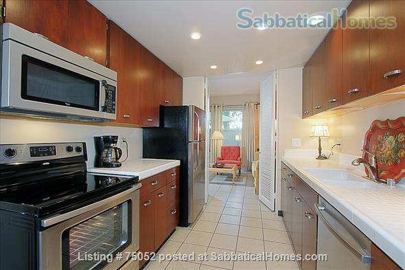 Lovely 2 Bedroom 3 Bath very close to Caltech and The Huntington Library Home Rental in Pasadena 3