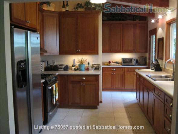 College Hill - Walk to OSU - 4 Bedrooms, Dual Master Home Rental in Corvallis, Oregon, United States 1