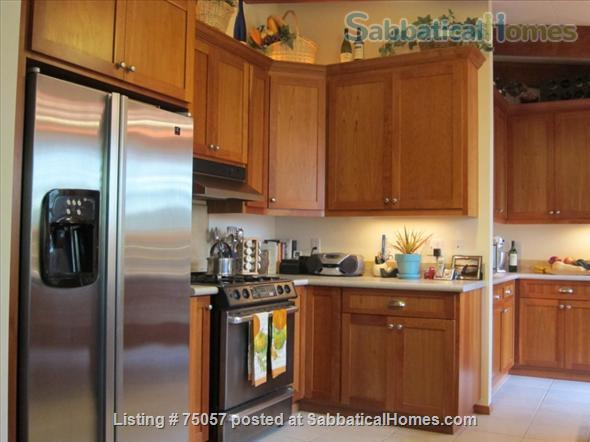 College Hill - Walk to OSU - 4 Bedrooms, Dual Master Home Rental in Corvallis, Oregon, United States 2