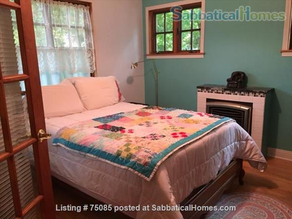 2 Bedroom 'Cottage in the City' on Near Eastside Near Everything Home Rental in Madison, Wisconsin, United States 5