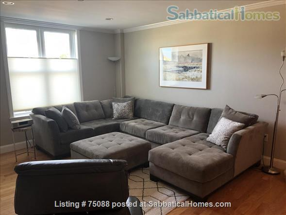 Elegant, furnished one bedroom condo in Charlestown (with indoor parking) within walking distance of MGH, MIT, Harbor Ferry, The Freedom Trail, the North End, Bunker Hill Monument, and everything Boston has to offer. Home Rental in Boston, Massachusetts, United States 3