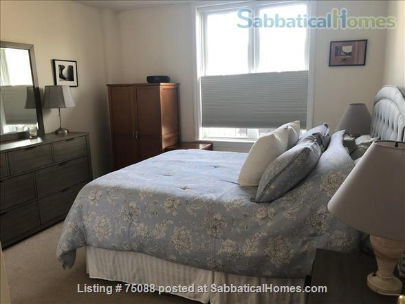 Elegant, furnished one bedroom condo in Charlestown (with indoor parking) within walking distance of MGH, MIT, Harbor Ferry, The Freedom Trail, the North End, Bunker Hill Monument, and everything Boston has to offer. Home Rental in Boston, Massachusetts, United States 5