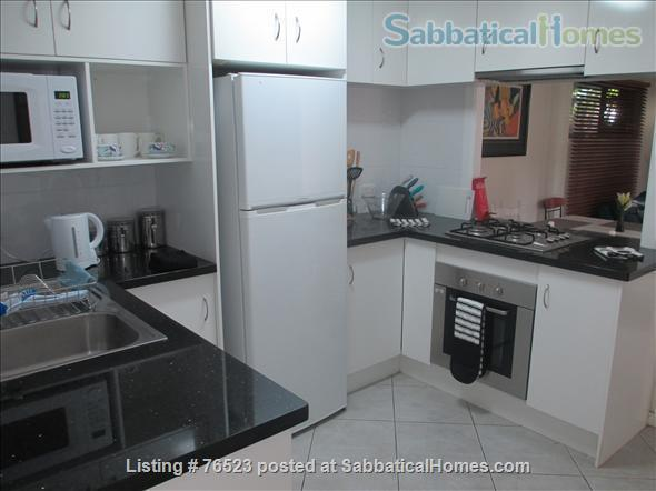 Traditional 'Queenslander' apartment central to Brisbane Home Rental in Highgate Hill, QLD, Australia 2