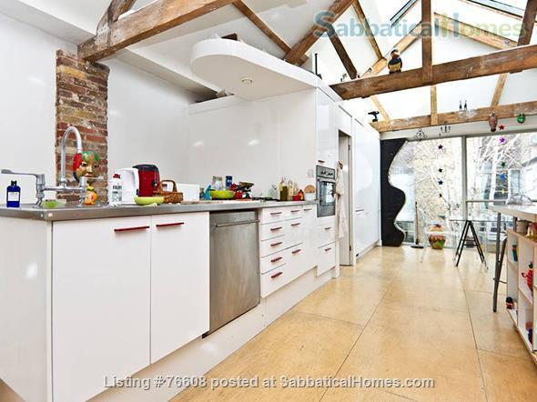 Large light-filled house, London - great for children Home Rental in London, England, United Kingdom 7