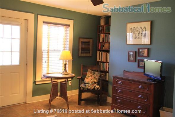 Carriage Hse in Central Austin nr Univ of Tx/Hyde Park Home Rental in Austin 3