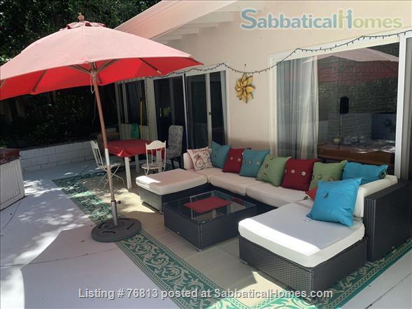 Spacious  Bungalow 2 BR / Bath / Office with back yard in LA Home Rental in Los Angeles, California, United States 1