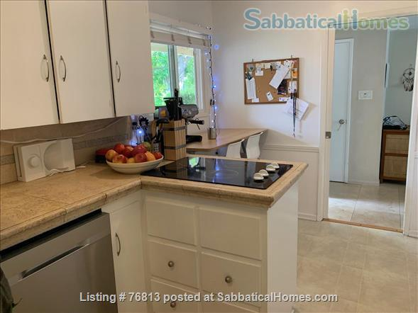 Spacious  Bungalow 2 BR / Bath / Office with back yard in LA Home Rental in Los Angeles, California, United States 2