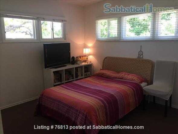 Spacious  Bungalow 2 BR / Bath / Office with back yard in LA Home Rental in Los Angeles, California, United States 7