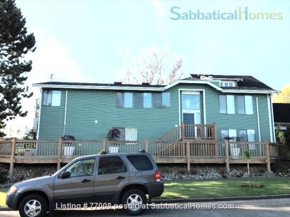 1 -2 Bedroom Wallingford home:  Ideal location.  Walk to Green Lake. FREE Xfinity Wifi  Home Rental in Seattle, Washington, United States 0