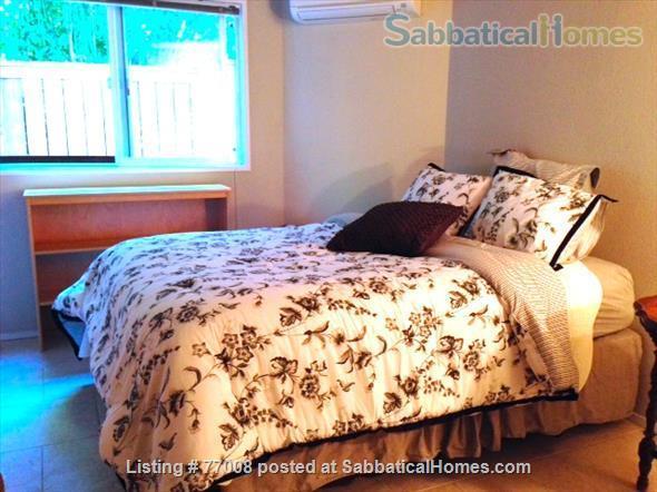 1 -2 Bedroom Wallingford home:  Ideal location.  Walk to Green Lake. FREE Xfinity Wifi  Home Rental in Seattle, Washington, United States 5