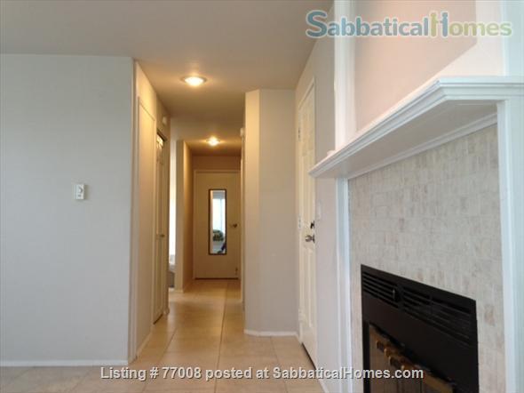 1 -2 Bedroom Wallingford home:  Ideal location.  Walk to Green Lake. FREE Xfinity Wifi  Home Rental in Seattle, Washington, United States 6