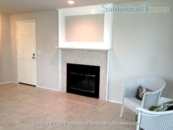 1 -2 Bedroom Wallingford home:  Ideal location.  Walk to Green Lake. FREE Xfinity Wifi  Home Rental in Seattle, Washington, United States 7