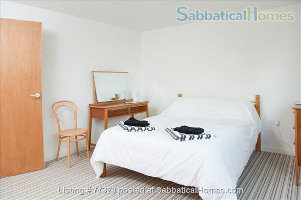 Mid Century Family Friendly 3 Bedroom Town House Camberwell Home Rental in London, England, United Kingdom 3