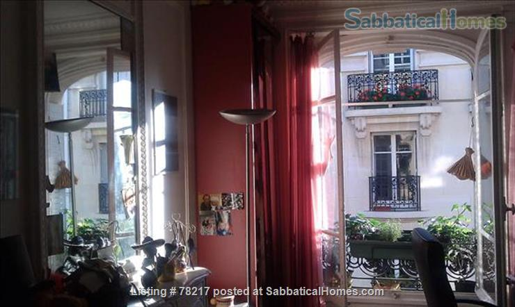 Charming room in lively area of Paris close to Bastille Home Rental in Paris 4