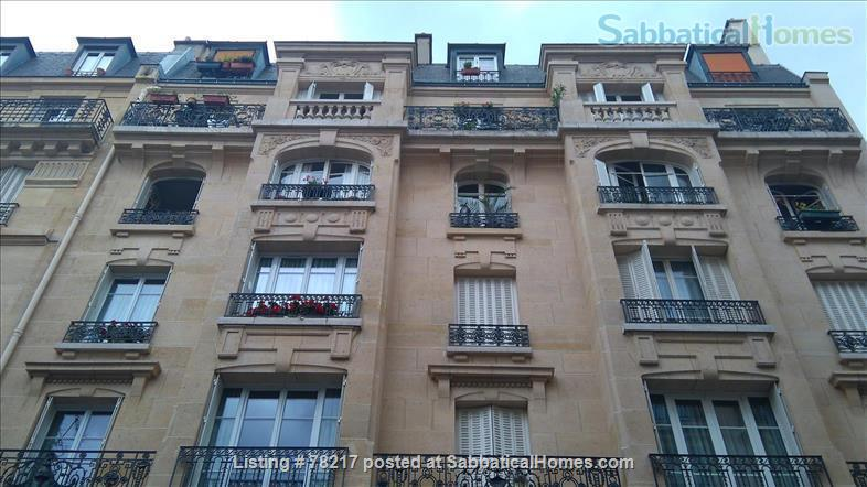 Charming room in lively area of Paris close to Bastille Home Rental in Paris 5
