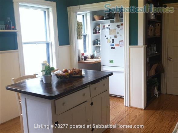 Lovely Somerville 4 BR Apartment near Harvard, Tufts, MIT Home Rental in Somerville, Massachusetts, United States 3