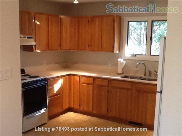 Private Turn-Key Apartment Very Close to UNC!  Renovated & Fully Furnished  on 1.3 Wooded Acres.  ALL UTILITIES INCLUDED! Home Rental in Chapel Hill, North Carolina, United States 6