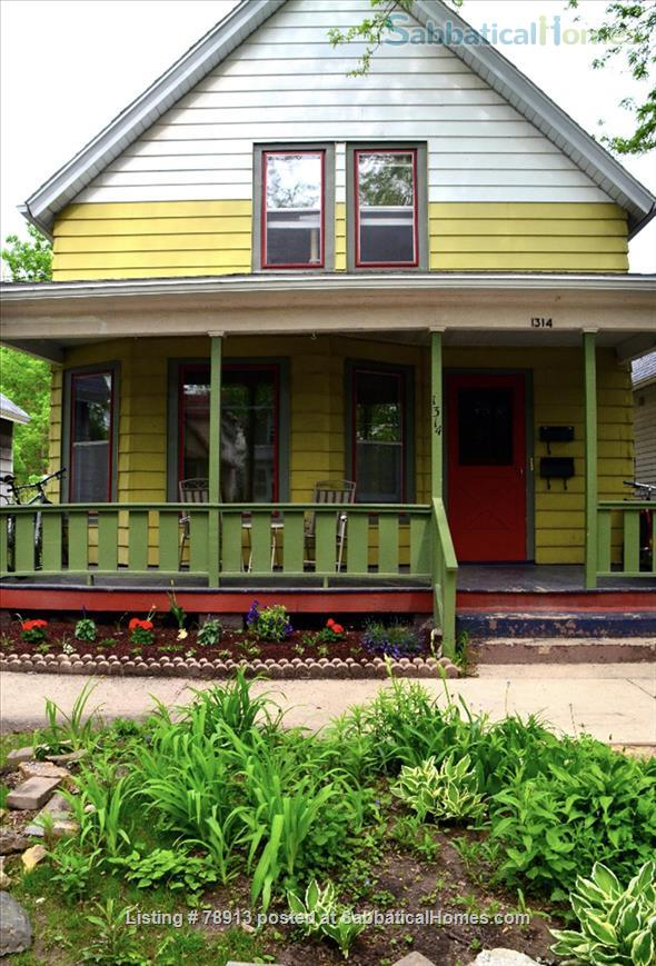 Charming Sunny second floor apartment Home Rental in Madison, Wisconsin, United States 1