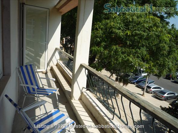Very sunny apartment in Carcavelos Beach, between Lisbon and Cascais Home Rental in Carcavelos, Lisboa, Portugal 3