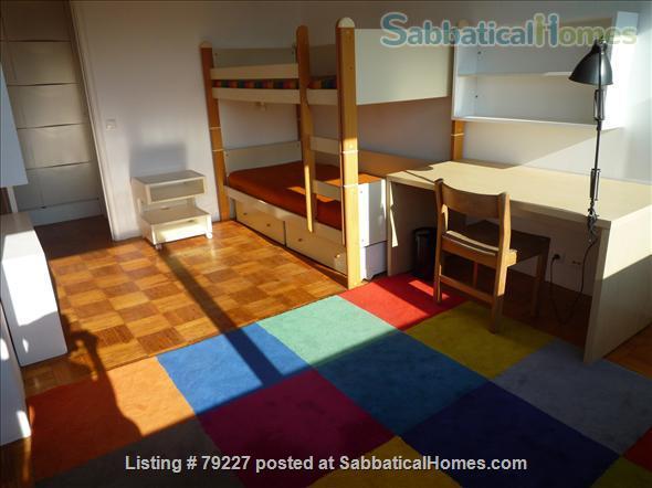Very sunny apartment in Carcavelos Beach, between Lisbon and Cascais Home Rental in Carcavelos, Lisboa, Portugal 7