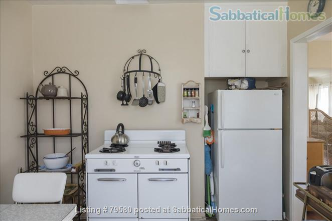 Charming 1 brm furnished cottage in Santa Monica, California Home Rental in Santa Monica, California, United States 5
