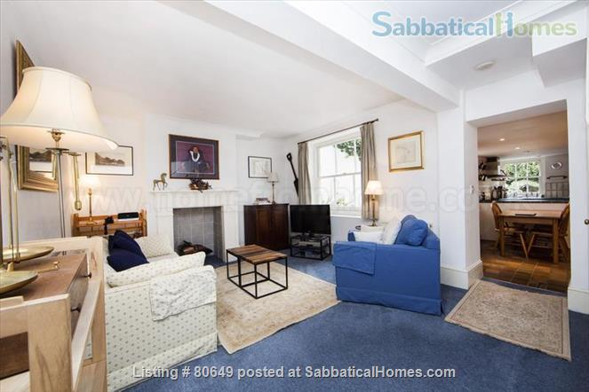 Sloane Square 1 bedroom flat + private garden, Central London. Utilities included. Very centrally located; quiet, secure, comfortable. Home Rental in London, England, United Kingdom 0