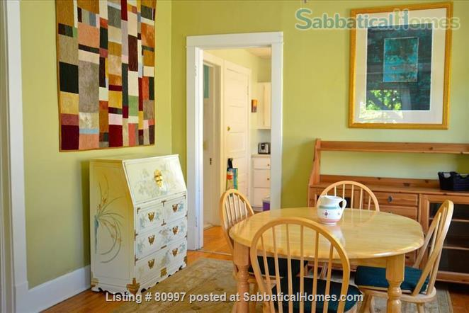 LARGE SUNNY  NEAR EAST FLAT, charming and beautifully artistic. Home Rental in Madison, Wisconsin, United States 0