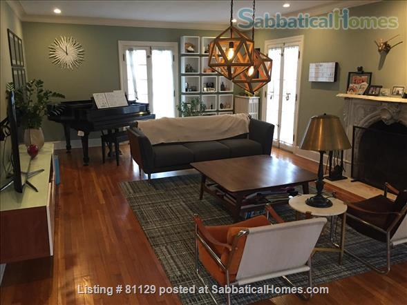 4 bedroom home close to Lake Erie in family friendly Lakewood (Cleveland), OH Home Rental in Lakewood, Ohio, United States 0