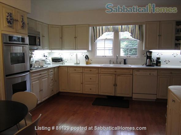 4 bedroom home close to Lake Erie in family friendly Lakewood (Cleveland), OH Home Rental in Lakewood, Ohio, United States 3