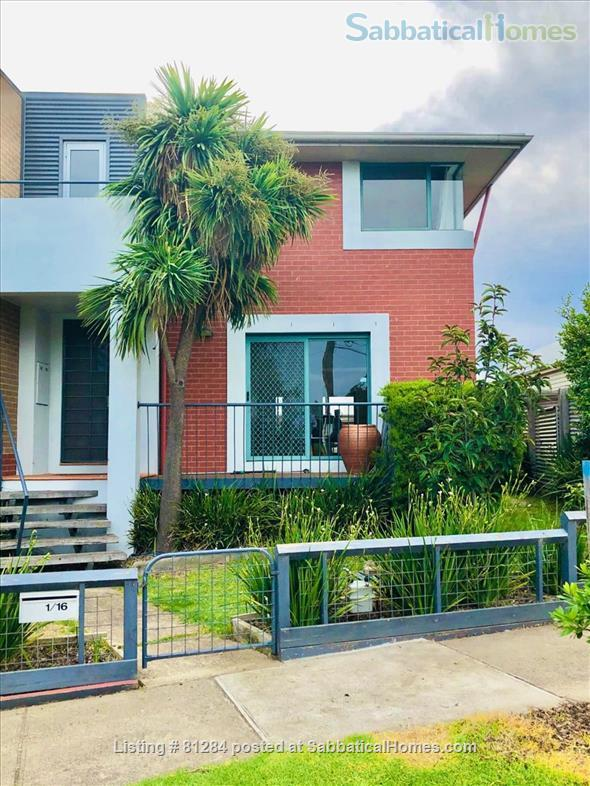 Wonderful 4 BR home in boutique Yarraville.   Great for families. Opposite quiet park. Home Rental in Yarraville, Victoria, Australia 3