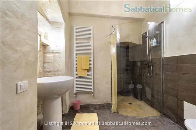 Affordable stay in Italy's magic Home Rental in Lecce 9 - thumbnail