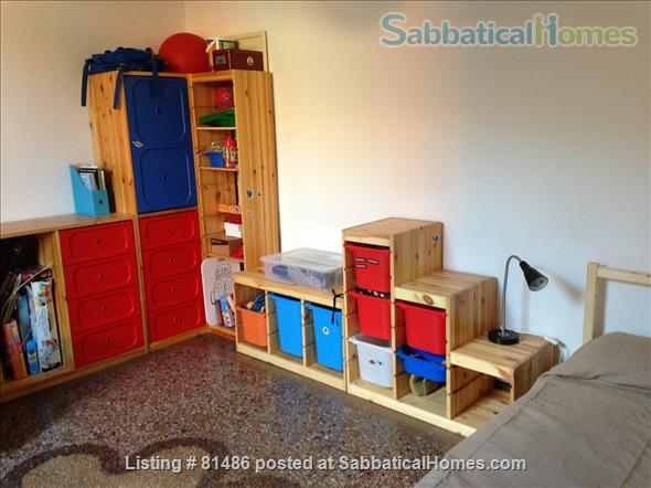 Spacious, quiet, fully furnished apartment for a family of 4, just steps away from the University, with many extras Home Rental in Bologna, Emilia-Romagna, Italy 0