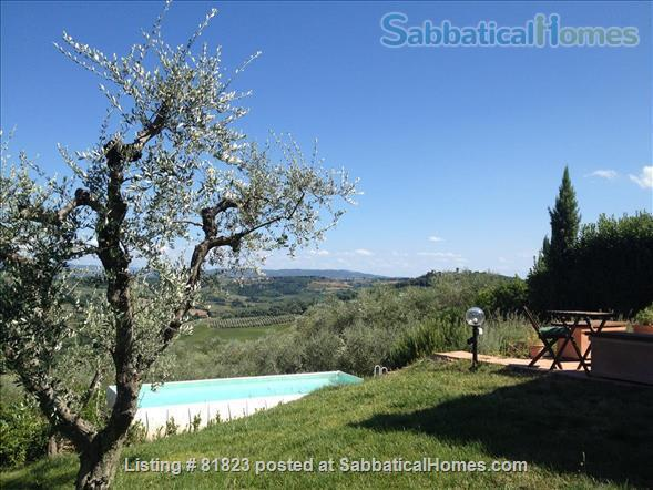 Indepent cool house on a Tuscan hill with splendid views, grand piano and private pool.  Between Florence and Siena. Adapted for sabbaticals by art lovers, musicians, writers, poets, artists.... Home Rental in Lucardo, Toscana, Italy 4