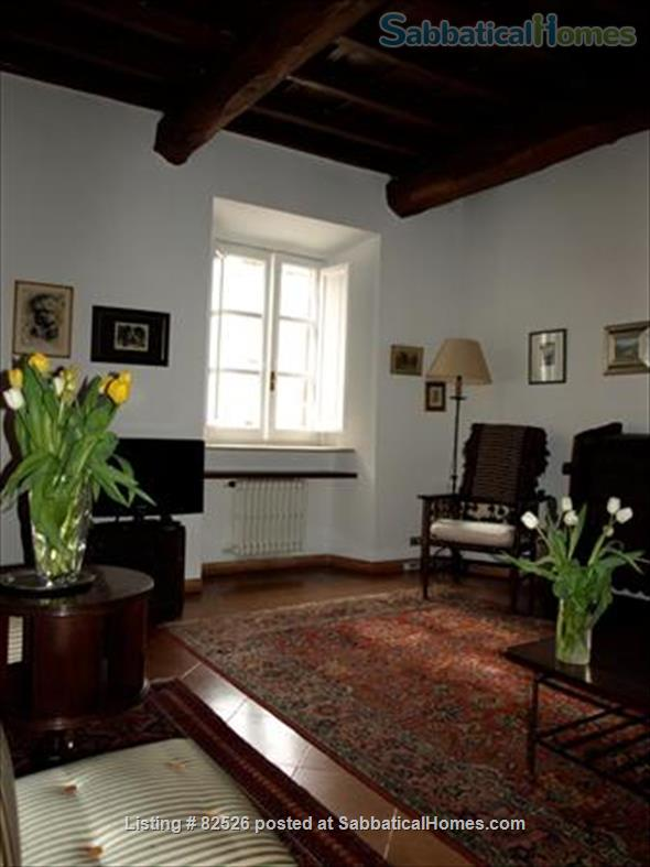 SPEND AN UNFORGETTABLE WEEK IN A 18TH CENTURY APARTMENT IN THE HEART OF ROME Home Rental in Rome, Lazio, Italy 0