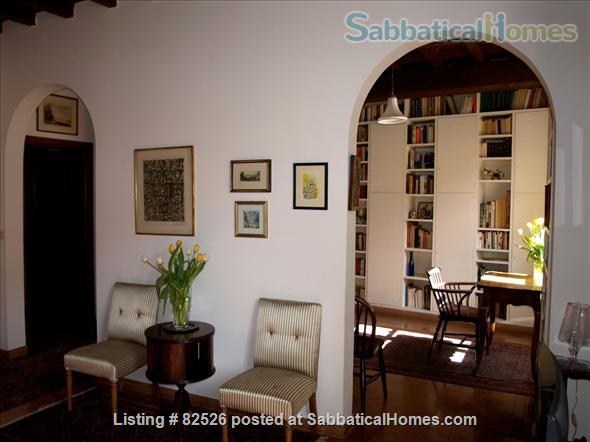 SPEND AN UNFORGETTABLE WEEK IN A 18TH CENTURY APARTMENT IN THE HEART OF ROME Home Rental in Rome, Lazio, Italy 3