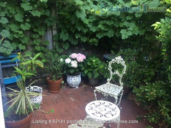 Beautiful 2 bedroom terrace Glebe, near Sydney Uni, UTS, RPA Fully equipped. Elegantly furnished. Home Rental in Glebe, NSW, Australia 8