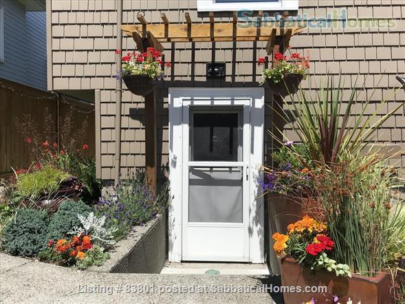 Wallingford/Greenlake/University of Washington- Quiet, 1 Bedroom 1 bath with private entrance in vibrant neighborhood Home Rental in Seattle, Washington, United States 0