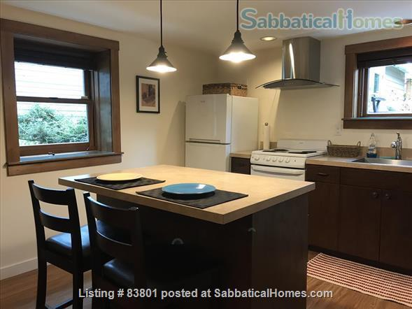 Wallingford/Greenlake/University of Washington- Quiet, 1 Bedroom 1 bath with private entrance in vibrant neighborhood Home Rental in Seattle, Washington, United States 3