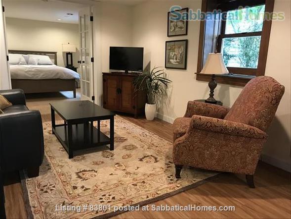 Wallingford/Greenlake/University of Washington- Quiet, 1 Bedroom 1 bath with private entrance in vibrant neighborhood Home Rental in Seattle, Washington, United States 5