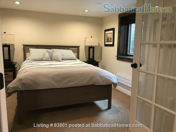 Wallingford/Greenlake/University of Washington- Quiet, 1 Bedroom 1 bath with private entrance in vibrant neighborhood Home Rental in Seattle, Washington, United States 6