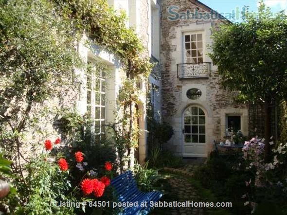 Stunning 16th century Sabbatical home away from home at the heart of lively city! Home Rental in Angers, Pays de la Loire, France 3