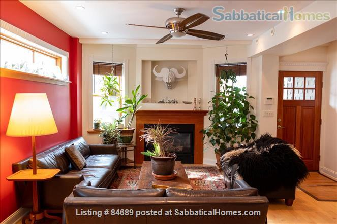 Comfortable and luxurious condo in Porter Square near Harvard, MIT, and Tufts Home Rental in Somerville, Massachusetts, United States 0