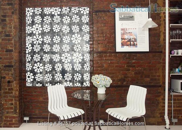 Perfect WFH:Stylish Artist Loft/Disinfected, Original Artwork, FAST WiFi Home Rental in Queens County, New York, United States 3