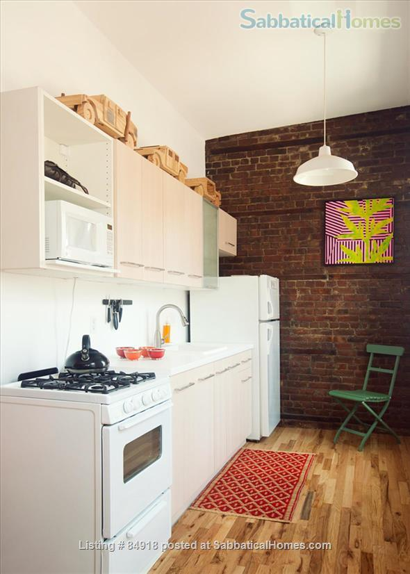 Perfect WFH:Stylish Artist Loft: Flair/Skylights/Spacious!  5 min to Manhat Home Rental in Queens County, New York, United States 4